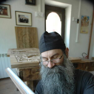 Father Avakum carving wood 2