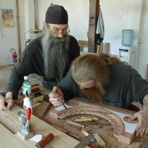 Father Avakum teaching Father Dimitrije wood carving 9