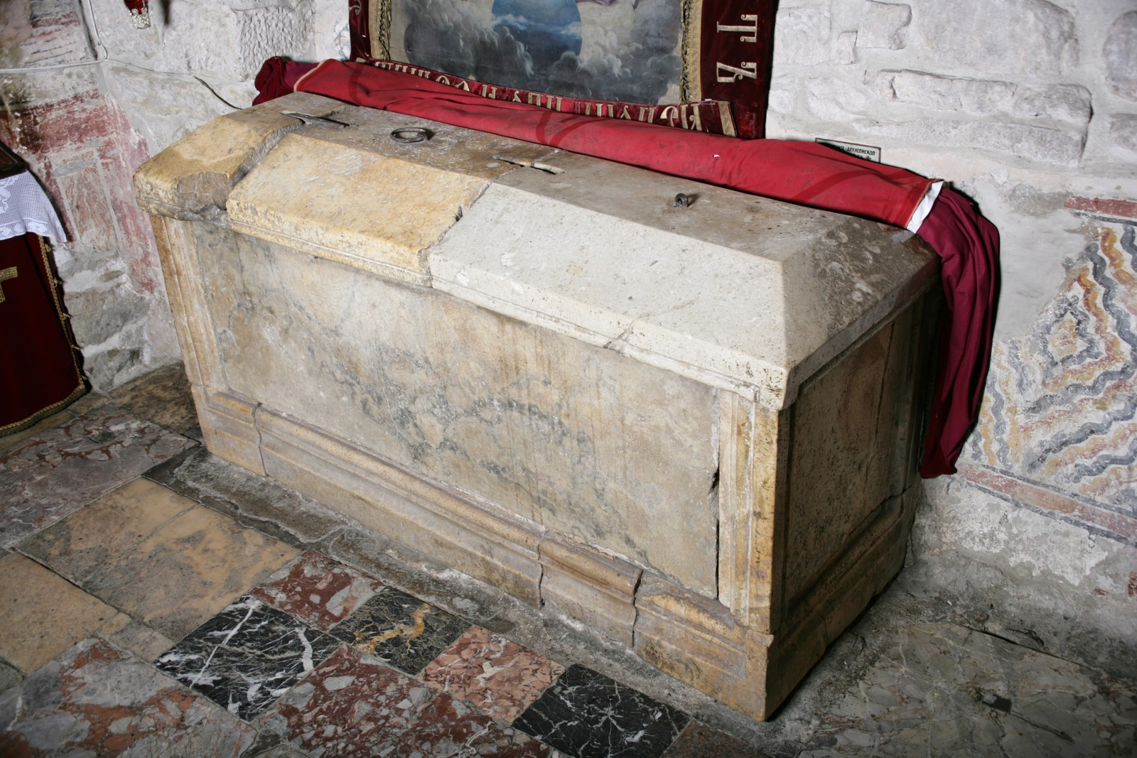 Tomb and sarcophagus of Archbishop Arsenios